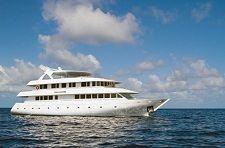 Мальдивская яхта Ocean Sapphire
